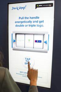 artemedia-aena-mwc-kiosco-interactivo